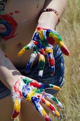 руки в краске