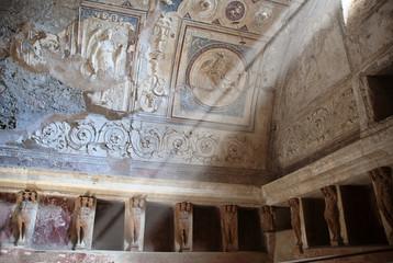 Sunbeam , Thermae in Pompeii ruins