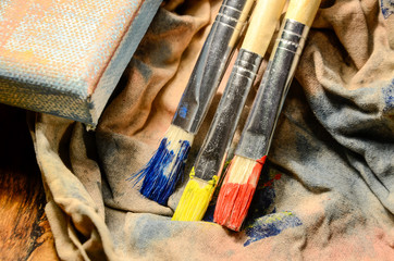 Painting a picture of saturated colors with acrylic paints