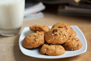 raisin and almond cookies for snack