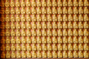 Background of golden buddha statue