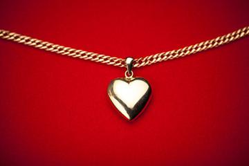 gold heart pendant