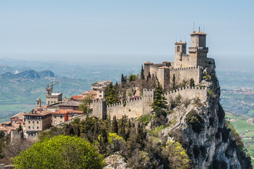 The Guaita fortress is the oldest and the most famous tower Fototapete