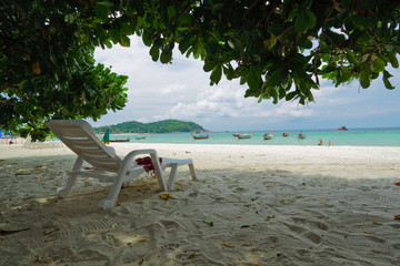 Wall Mural - Under the shade for view and relax on evening at Lipe island