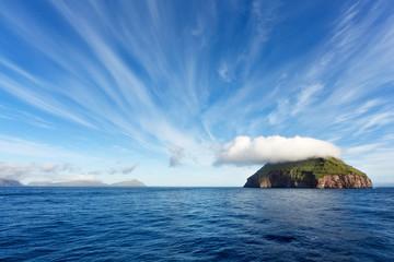 Tuinposter Eiland Sailing through Faroe Islands, Atlantic Ocean