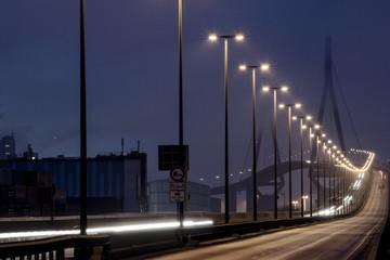 Köhlbrandbrücke Straße