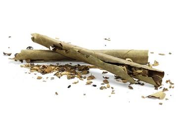 Zigarillos isoliert auf weißem Hintergrund