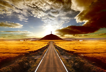 Fotorolgordijn Bruin Aventuras y viajes por carretera.Carretera y cruz en la colina