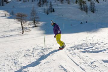 snowboarder en glisse