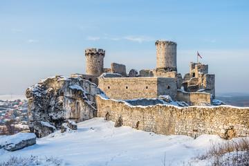 Fototapeta Zamek Ogrodzieniec zimą