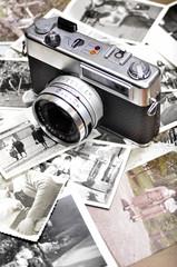 Cámara de 35 mm y fotografías antiguas