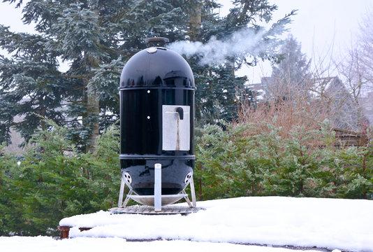 smoker grill im Winter