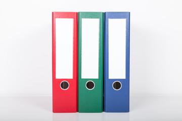rot grün blau aktenordner