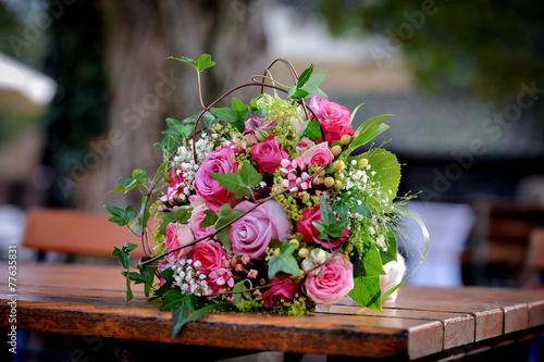 Blumenstrauss zum verschenken stockfotos und lizenzfreie - Bilder verschenken ...