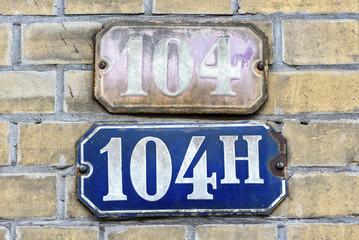 Hausnummer 104