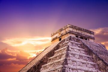 """""""El Castillo"""" pyramid in Chichen Itza, Yucatan, Mexico"""