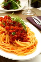 スパゲティー ボロネーゼ トマトソース