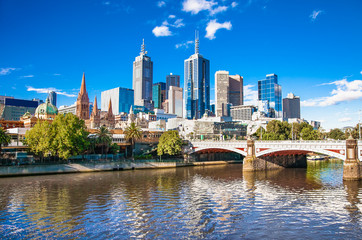 Poster Australia Melbourne skyline looking towards Flinders Street Station