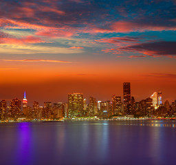 Wall Mural - Manhattan New York sunset skyline from East