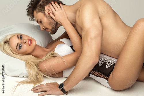 powerful guy wants to satisfy two sexy blondes  75280