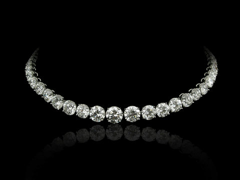 Round diamonds necklace