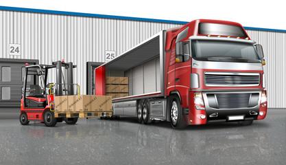 Truck mit Auflieger und Gabelstapler an der Laderampe