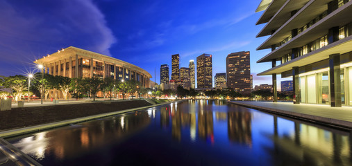 Photo sur Aluminium Los Angeles Los Angeles downtown and reflection