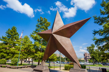 Fototapete - Texas Star in front of the Bob Bullock Texas State History Museu