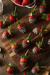 Homemade Chocolate Dipped Strawberries
