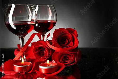 Два бокала с розами  № 750263 загрузить