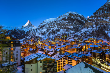 Fototapete - Aerial View on Zermatt Valley and Matterhorn Peak at Dawn, Switz