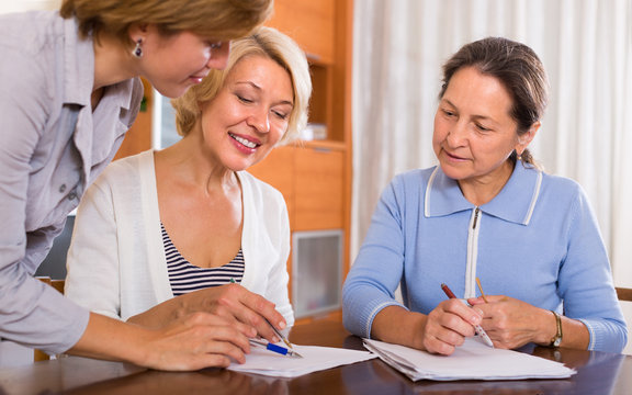 Female pensioners with public notary
