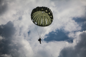 Parachutist in the war