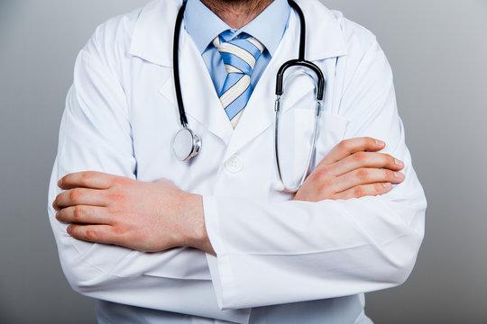Arzt, Arme, verschrenken