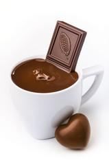 tazza di cioccolata con cuore