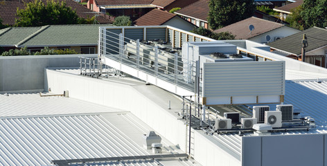 Air-conditioning system on a commercial building