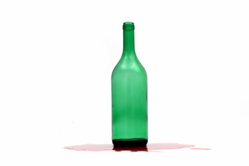 Flasche auf weiss mit Rotwein