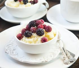 Vanilla Rice Pudding with Berries