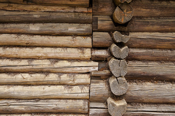 wall of the old log houses