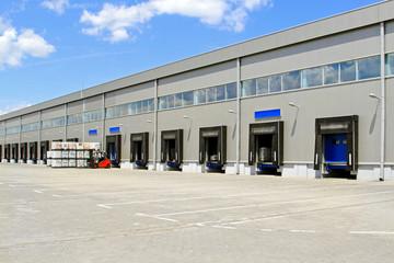 Warehouse cargo doors