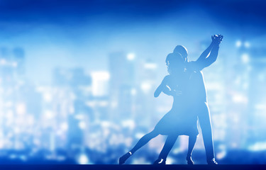 Spoed Foto op Canvas Dance School Romantic couple dance. Elegant classic pose. City nightlife