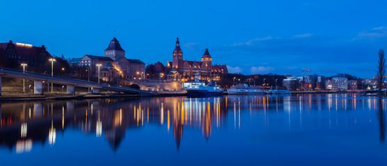 Szczecin nocą | Wały Chrobrego