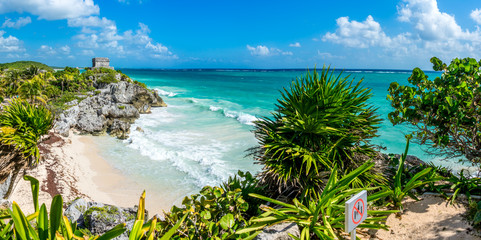 Papiers peints Mexique Huge Panorama of Tulum caribbean paradise and Mayan Ruins. Trave