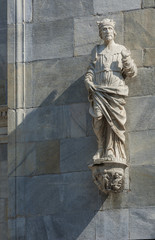 Fototapete - Sculpture of Cathedral in Como city, Lombardy, Italy