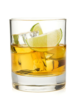Whiskey cocktail with lime