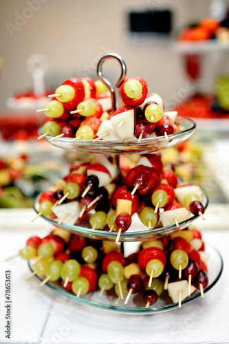 fingerfood herzhaft obstspie e stockfotos und. Black Bedroom Furniture Sets. Home Design Ideas
