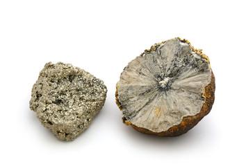 Pyritsonne und Pyritkristall