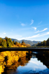 Foto op Plexiglas Rivier California Russian River bridge, scenic fall color. Sonoma