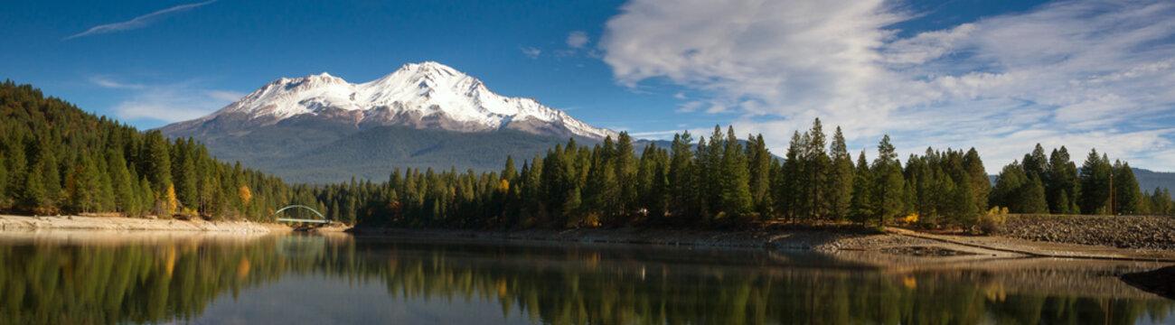 Mt Shasta Mountain Siskiyou Lake Bridge California Recreation