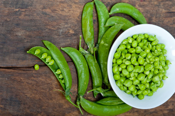 hearthy fresh green peas